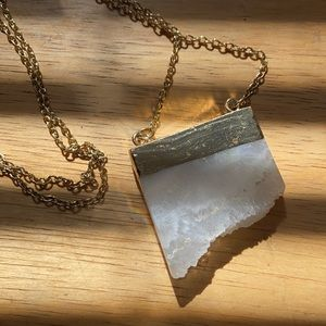 Raw Quartz and gold plated necklace